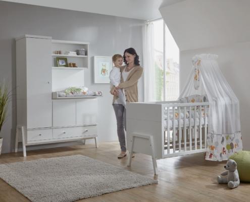 Kinderzimmer Holly White mit Schrank-Wickelkommode-Kombination
