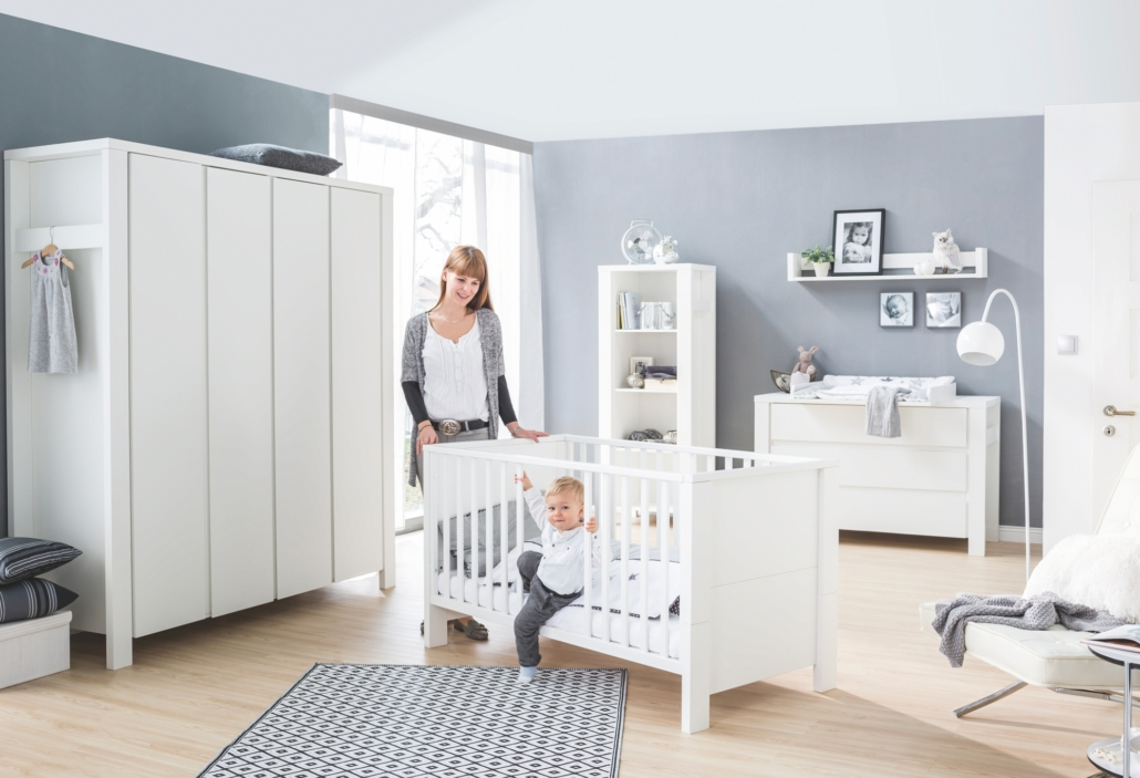 schardt gmbh co kg kinderzimmer milano wei mit schrank 4 t ren. Black Bedroom Furniture Sets. Home Design Ideas